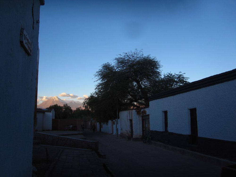 Le volcan Licancabur, depuis San Pedro