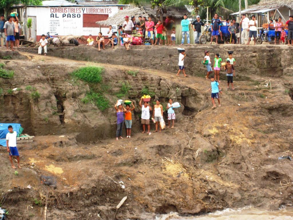 Escale à Requena, les vendeuses nous attendent de pied ferme