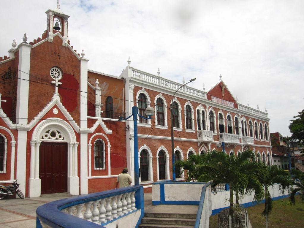 Eglise sur le malecón