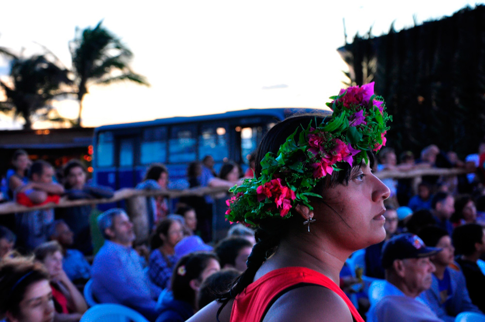 Tapati, pascuane attendant le début du spectacle