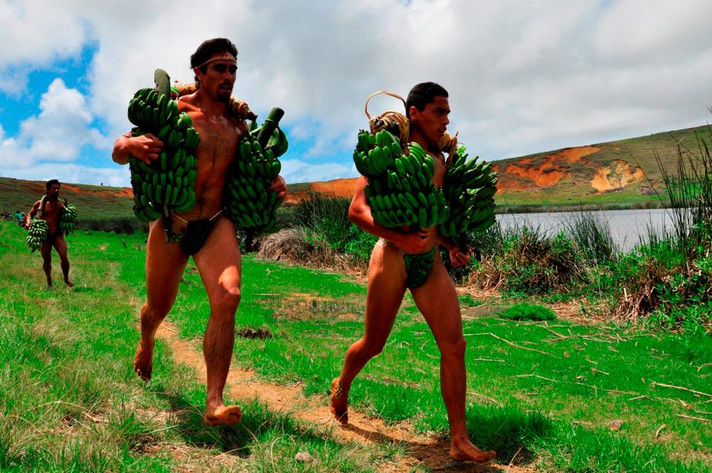 Tapati, triathlon, course autour du lac avec régimes de banane