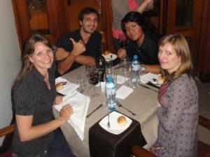 Avec cathi et Paul, pendant le repas