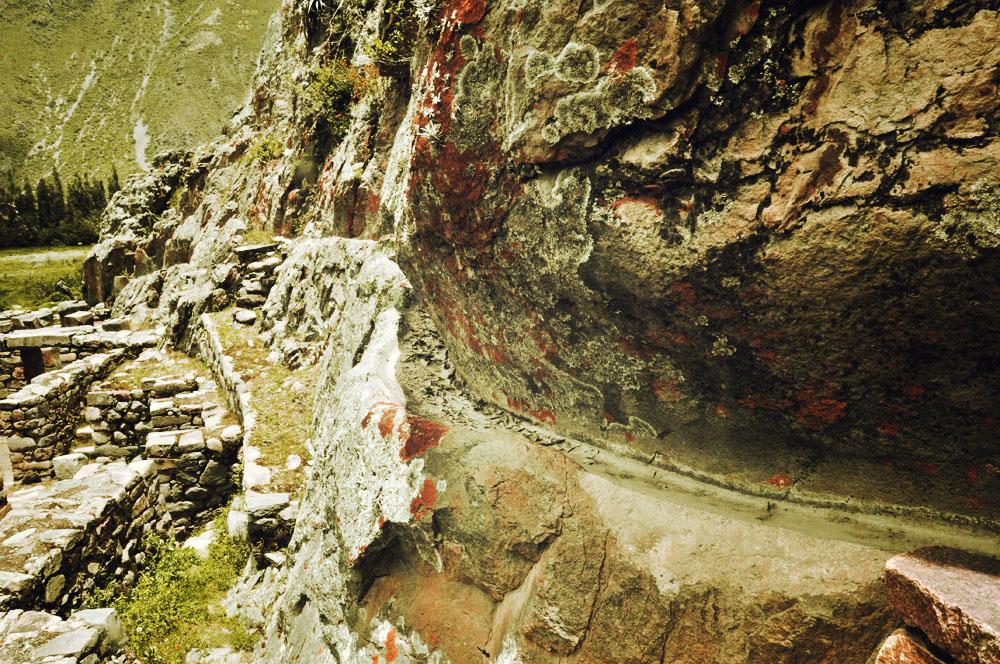 Ollantaytambo, canalisation dans la roche