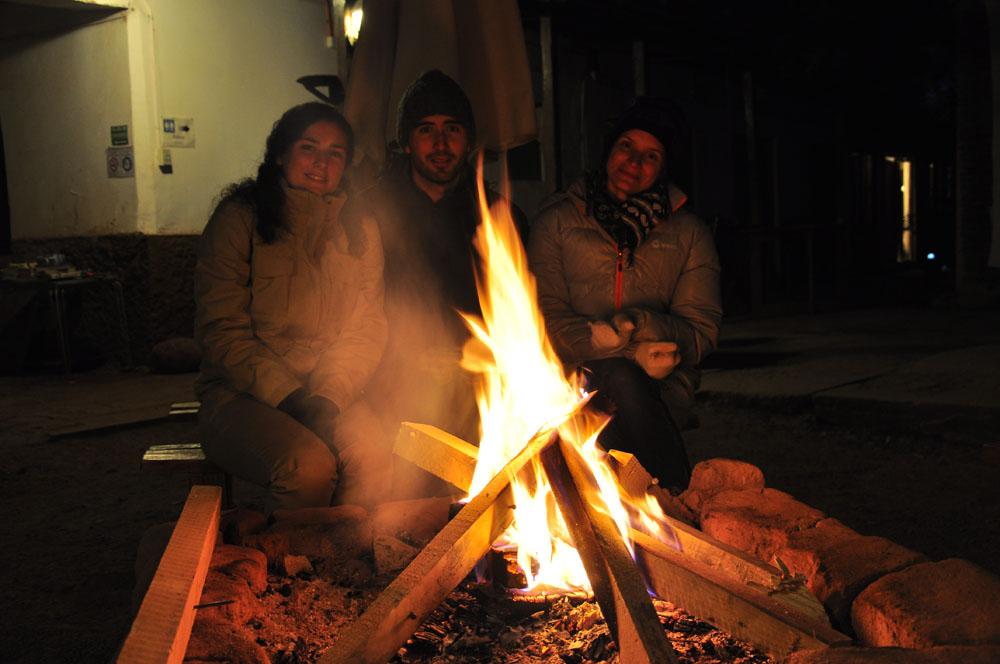 Une bonne flambée à la rose d'Atacama avec Jérôme et Caroline