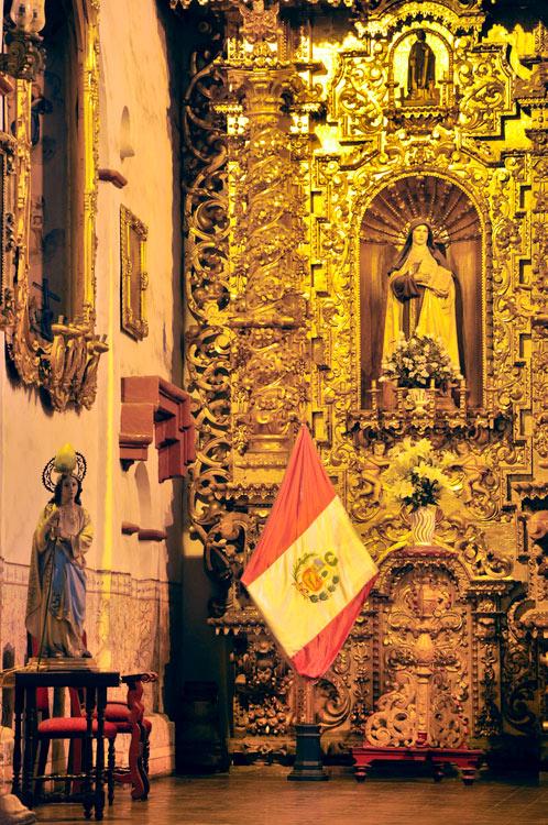 Et même le drapeau du Pérou (El Carmen)