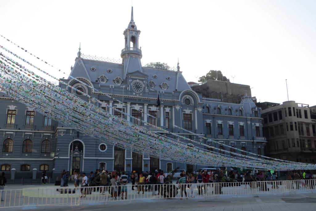 Place Sotomayor, le palais de la marine... en mode recyclage aussi !