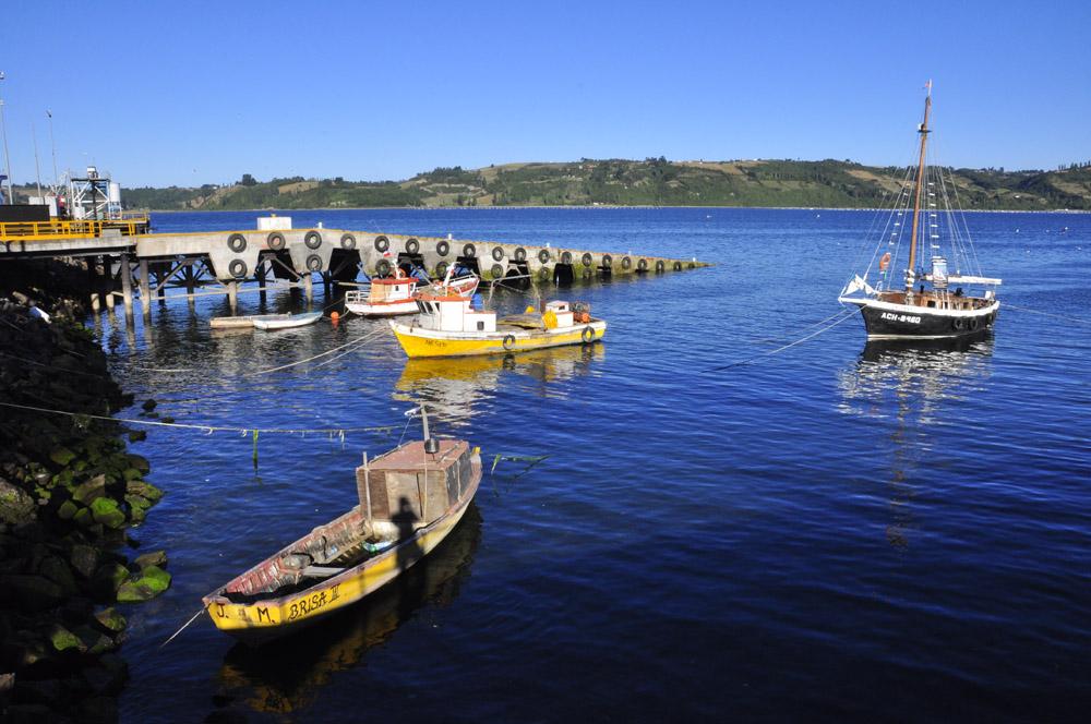 Petit port  à Castro