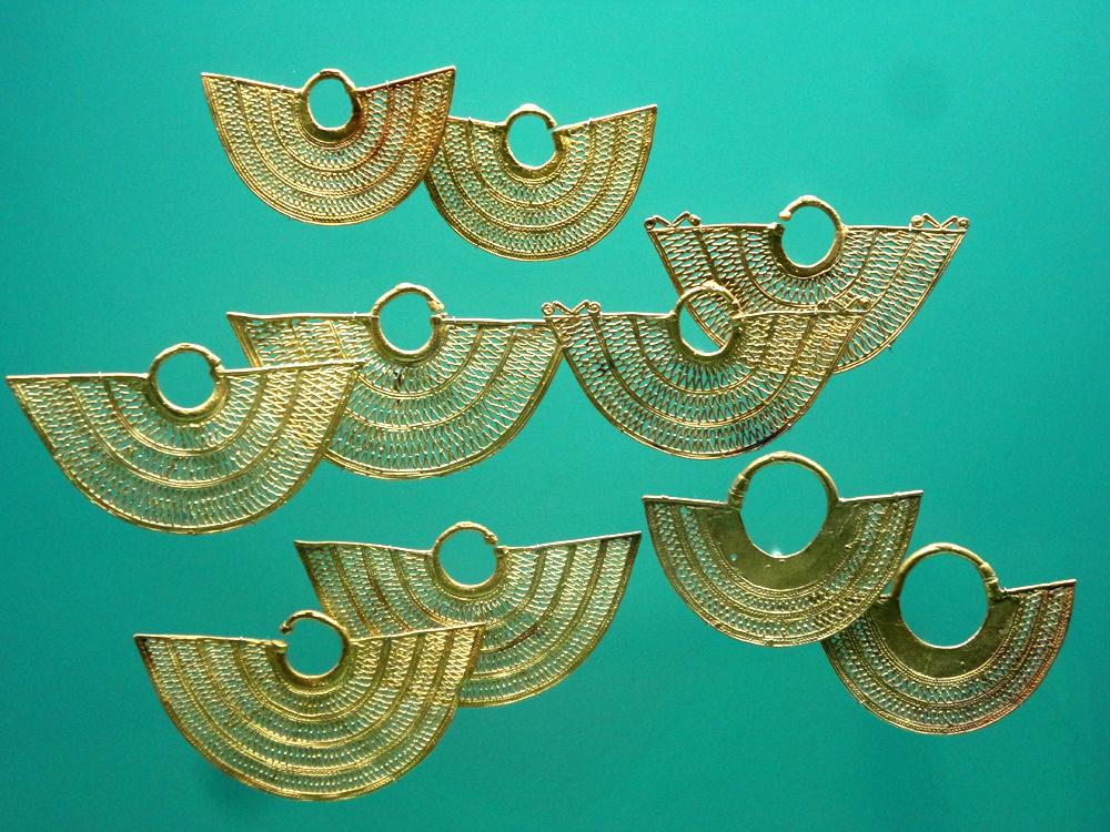 Bijoux Zenu (450 - 1500) crête caraïbe et plaines marécageuses