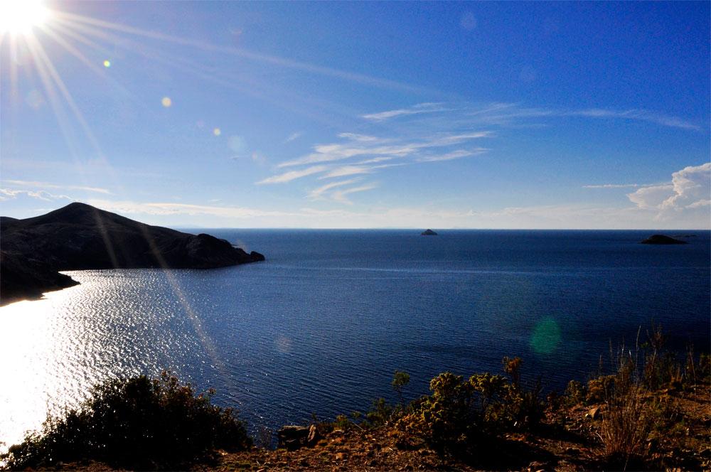 Lac Titicaca depuis la Isla del Sol