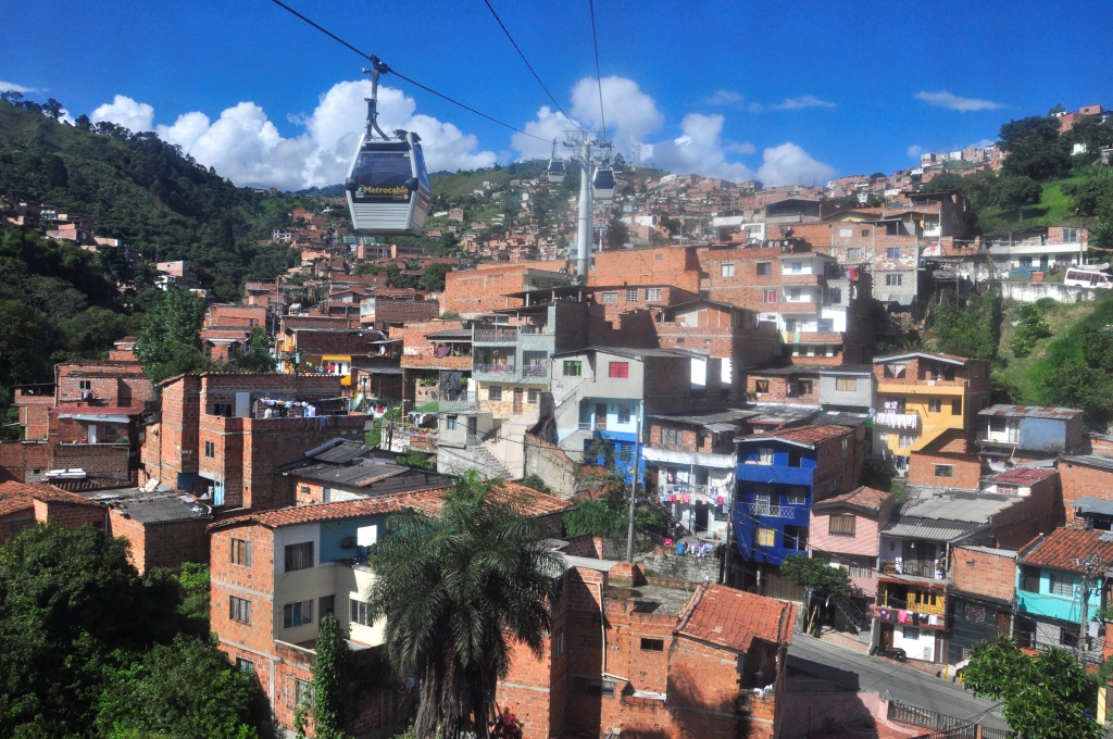 Ballade en téléphérique sur les hauteurs de Medellin