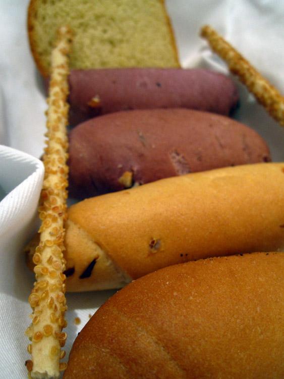 Panière de pain à la Chicha (le rose est à la bière de maïs rose)