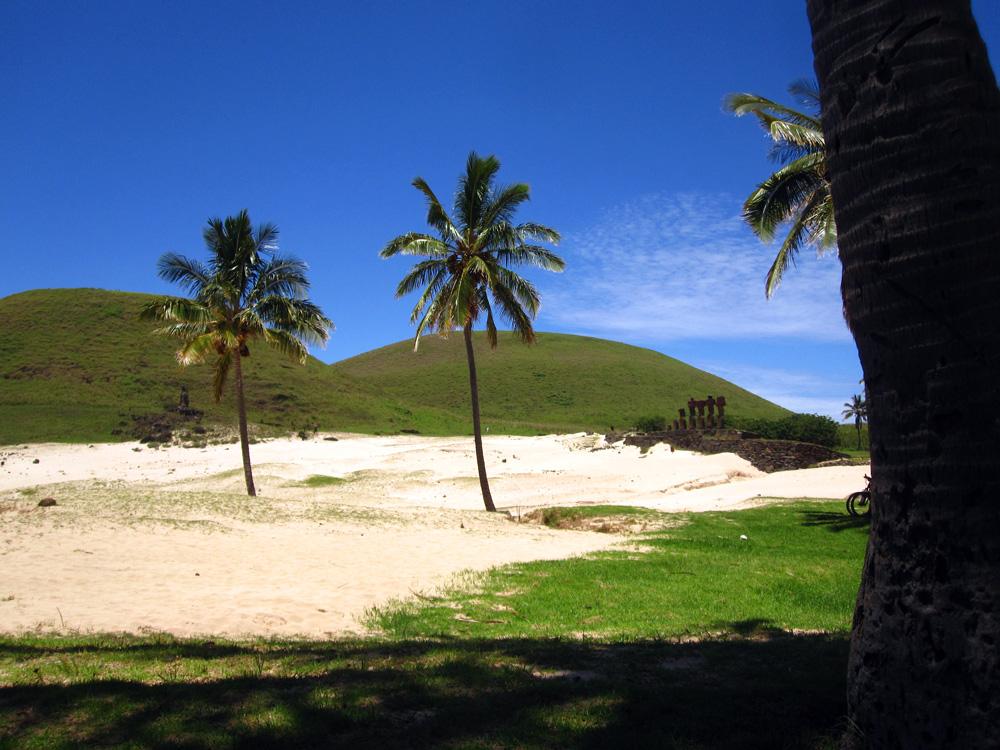 Ahu Nau Nau, sur la plage d'Anakena