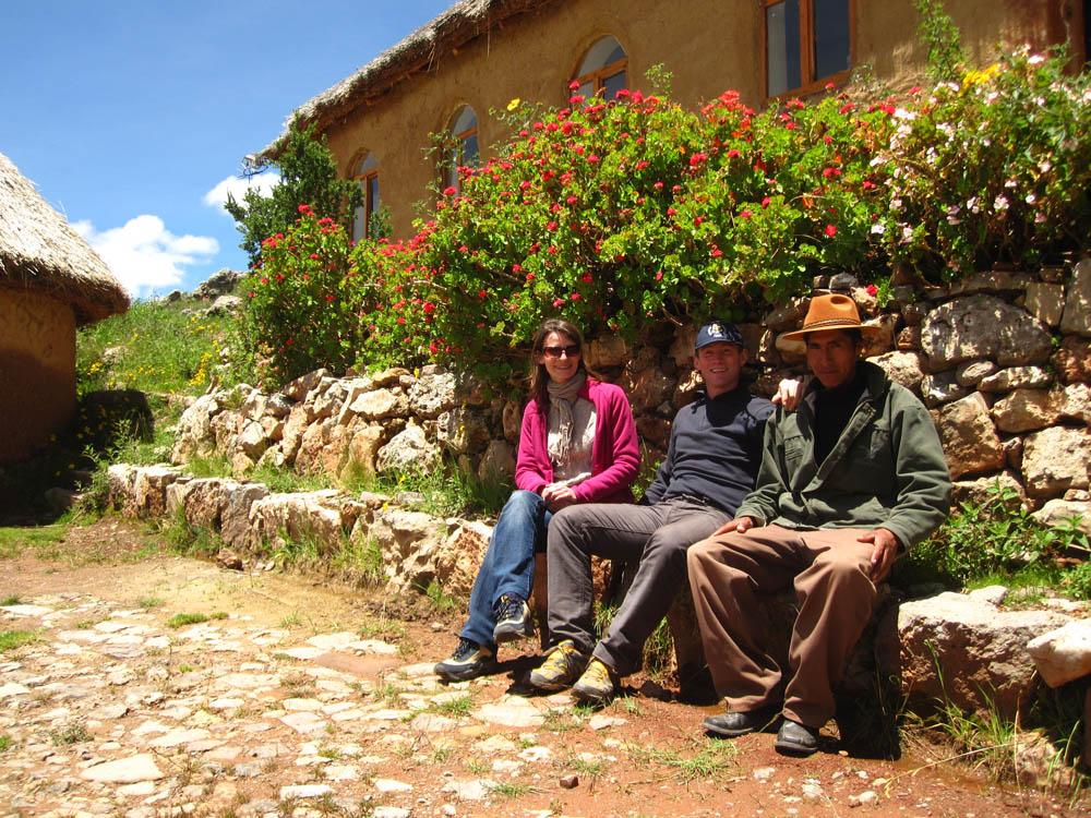 Sur Tikonata, Alfonso, et Alvi