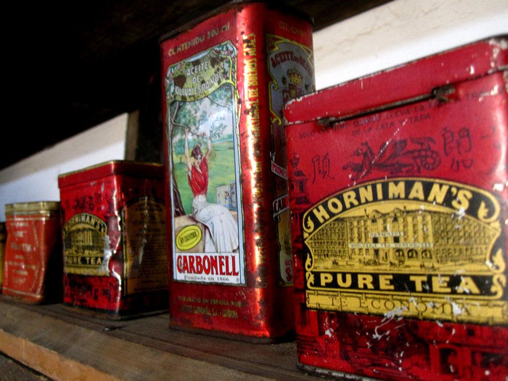 Humberstone, vieilles boîtes de thé