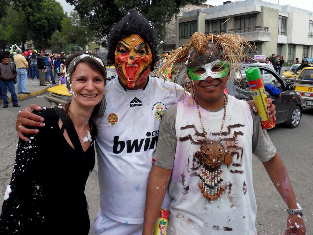 Carnaval avec bataille de mousse et tout