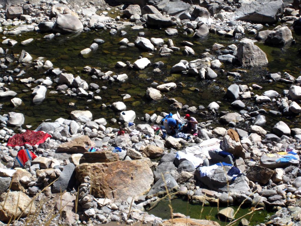 Lessive dans le Rio Colca (Chivay)